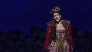 Elisabetta, why are you wearing that?